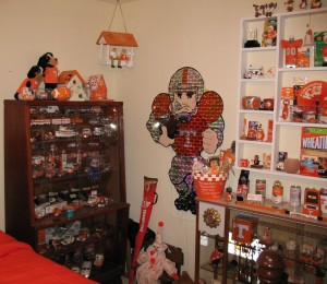 Doyal's orange & white room